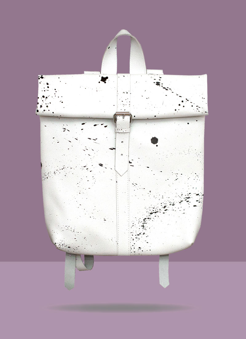 big-rollitbag-white-strap-spattered