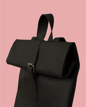 rollitbag-black-strap-side